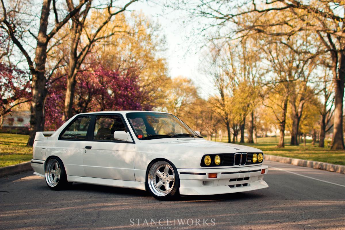 nice clean WHITE bmw E30 M3 | dakos3