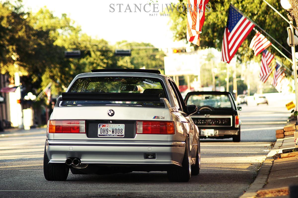 clean silver BMW E30 M3 | dakos3
