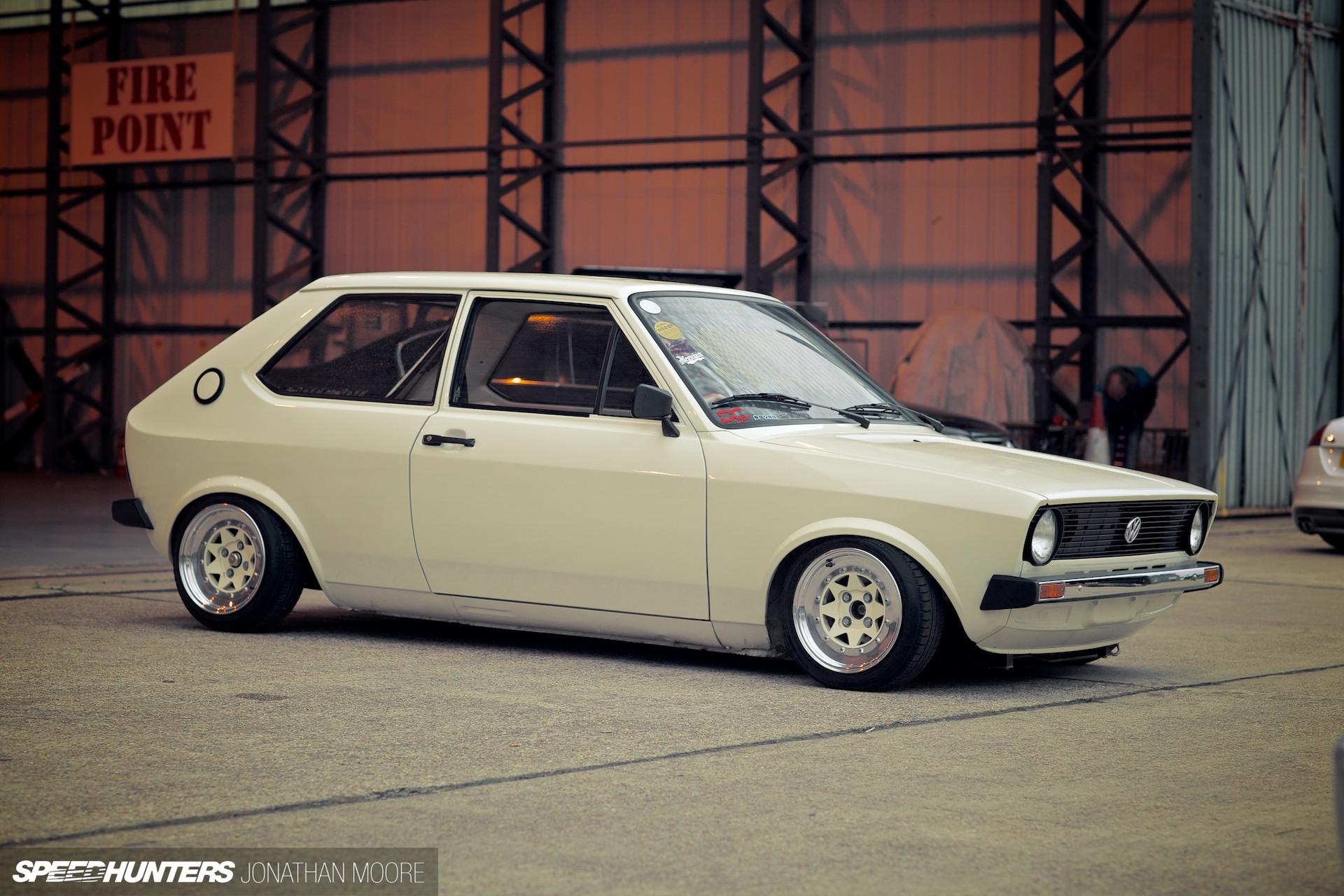 white Polo Mk1 image